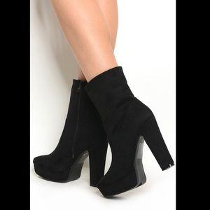 Black Boots/Booties